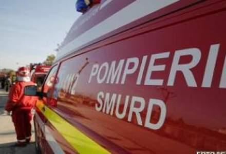 13 persoane, ranite dupa ce un autobuz s-a ciocnit cu o cisterna cu lapte