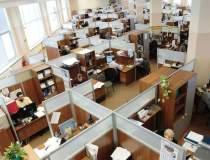 Raport CE: angajatii din...