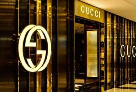 Poseta Gucci a Elenei Ceausescu, scoasa la licitatie: de la cat porneste pretul