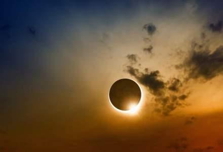 Selfie-urile cu eclipsa de Soare v-ar putea orbi