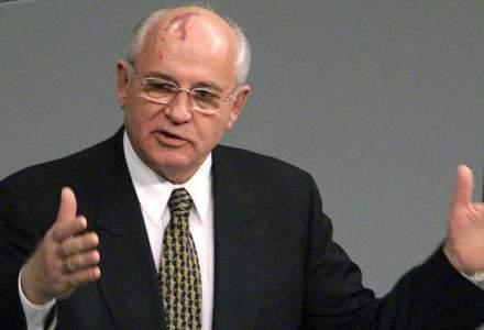 Gorbaciov indeamna Rusia sa se democratizeze, criticand implicit regimul lui Putin