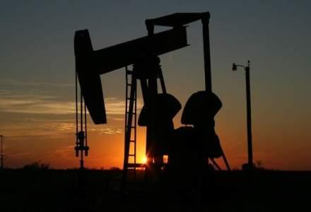 Pretul petrolului continua sa creasca, pe fondul asteptarilor privind scaderea productiei in SUA