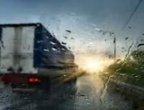 ANM: Ploi pe arii extinse si...