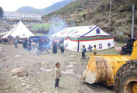 Europeni decedati in urma seismului din Nepal; bilantul depaseste 3.800 de morti