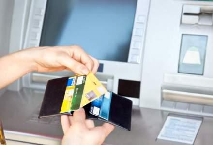 """Salariul prin banca, """"filtrat"""" de comisioane: cele mai avantajoase oferte bancare pentru a-ti incasa salariul pe card"""