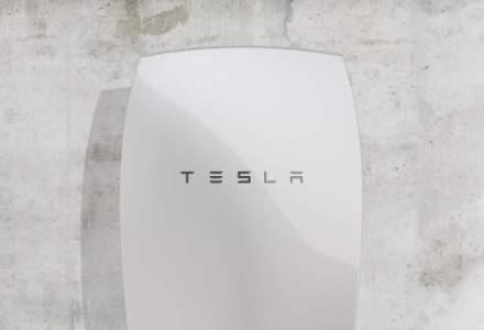 Tesla a prezentat bateria Powerwall pentru locuinte care reduce facturile cu 25%