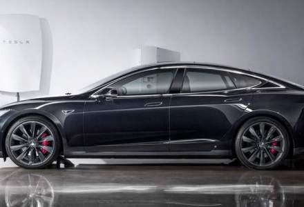 CEO Tesla: Cererea pentru bateriile electrice pentru locuinte este uimitoare