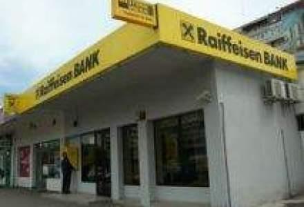 Raiffeisen Bank a redus dobanda variabila la creditele in euro