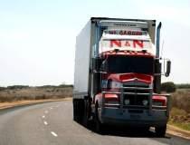 Sute de camioane la vama:...
