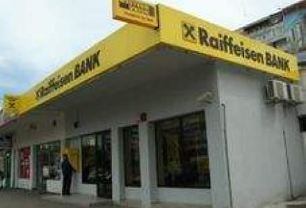 Raiffeisen, amendata cu 3,4 mil. euro pentru furnizarea de informatii inexacte [Update]