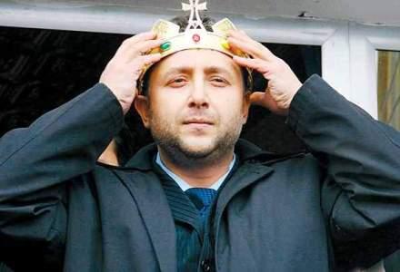 Autointitulatul rege al romilor crestini, Dan Stanescu, audiat la DNA Pitesti