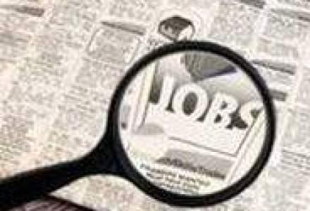 Aglomeratie la bursa locurilor de munca
