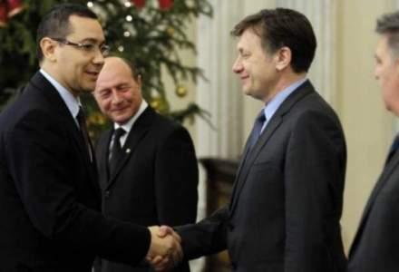 Antonescu, despre Ponta: Amandoi avem ceva betesuguri fizice - dansul la genunchi si eu in cot