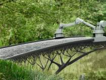 Amsterdam va avea un pod...