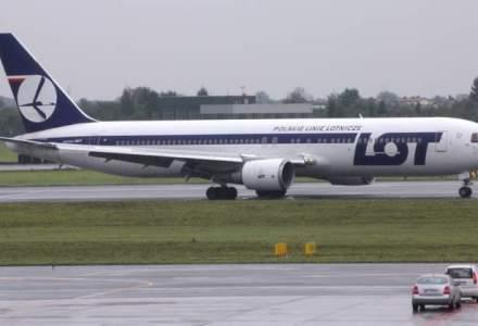 Hackerii au blocat la sol 1.400 de pasageri ai companiei aeriene poloneze LOT