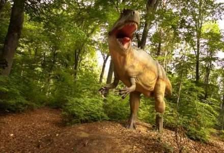 Dino Parc a atras aproape 20.000 de vizitatori in primele doua saptamani