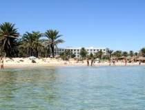 Atac armat in Tunisia: 27...
