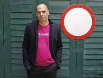 Yanis Varoufakis, acuzat de...