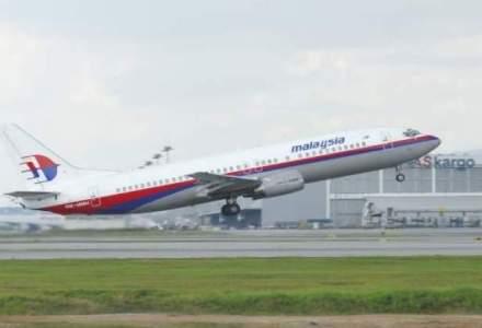 Un fragment de avion gasit pe o plaja a Insulei Reunion ar putea fi al cursei malaysiene disparute