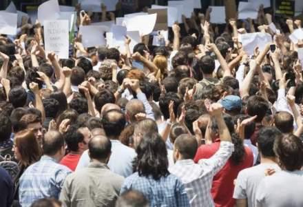 Nou protest spontan la Termocentrala Mintia: conducerea promite tichete de masa si plata salariilor