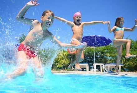 Amenzi de peste 800.000 de lei pentru nereguli la stranduri, piscine si parcuri de distractie