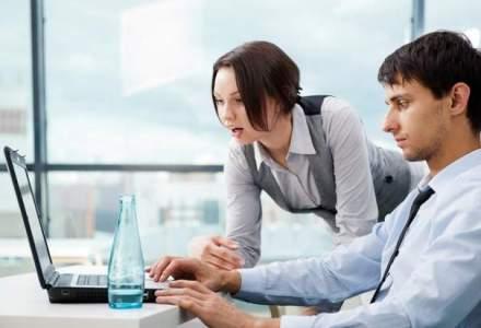 Cum creezi un program eficient de evaluare a angajatilor de catre propriii lor colegi
