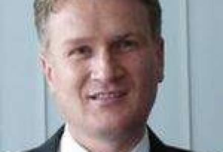 UniCredit le propune bugetarilor restructurarea creditelor