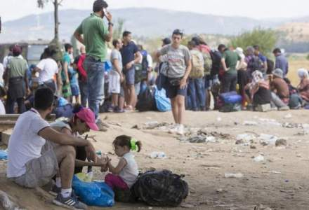 MAE: Cei 12 romani retinuti pentru trafic de persoane in Ungaria la 26 august, arestati