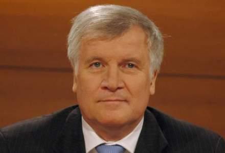 Premierul Bavariei, Horst Seehofer, denunta politicile Angelei Merkel privind imigratia