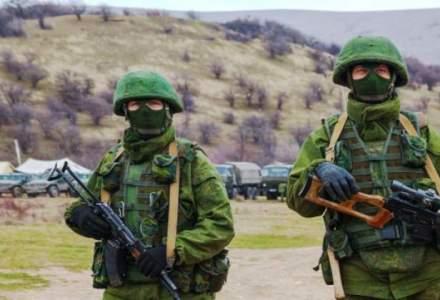 Armata ucraineana si insurgentii prorusi au inceput retragerea tancurilor din estul Ucrainei