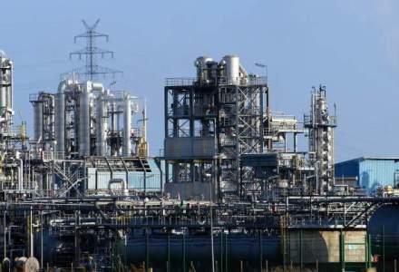 Afacerile din industrie au avansat la 8 luni cu 2,7%, sustinute de industria prelucratoare