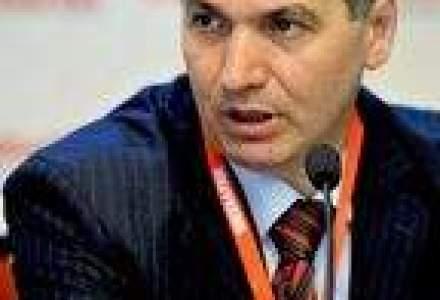 Agricultura romaneasca, la trecut? Replica Ministrului: Nu putem opri ploaia si nu putem lua rolul albinelor