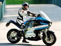 Aceasta motocicleta electrica...