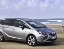 Opel Zafira, chemate in...