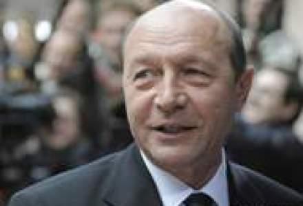 Basescu a semnat decretele de numire in functie a noilor ministri