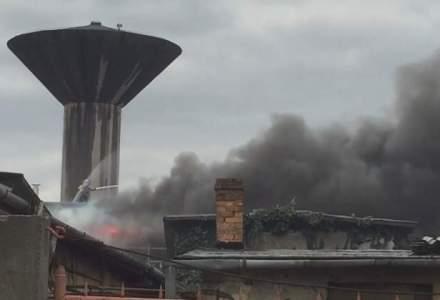 Incendiu la un depozit Leonardo din Oradea