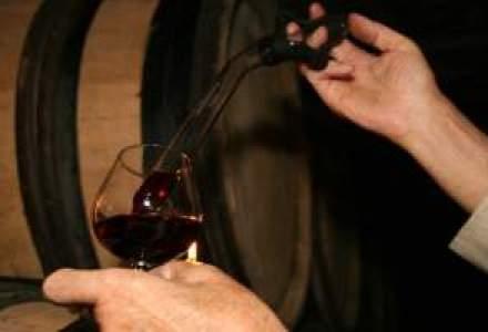 Piata vinului scade cu 12-13% in acest an: Romanii renunta la vinurile scumpe