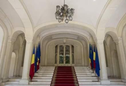 Bugetul Presedintiei, adoptat de Comisii. Alesii au glumit pe tema hranei pestilor de la Cotroceni