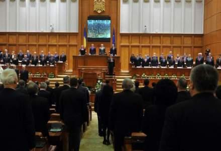 18 deputati cu absente, sanctionati cu 1% din indemnizatia lunara bruta. Sebastian Ghita, in top
