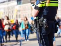 12.200 de politisti si 5.000...