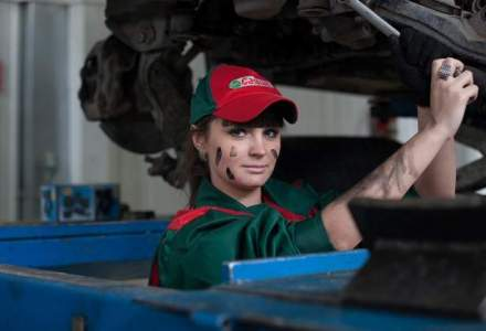Administratia Prezidentiala va cheltui peste 66.000 euro pe intretinerea si reparatiile masinilor