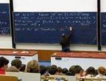 Studentii se pot inscrie pana...