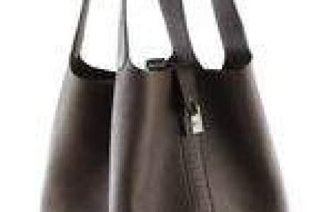 Tranzactie pe piata de lux: Proprietarul Louis Vuitton cumpara actiuni de 1,4 mld. euro la Hermes