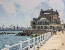 Portul Constanta va avea o...