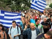 Violente sporadice la Atena,...