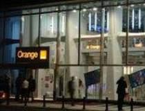 Orange a investit 4 mil. euro...
