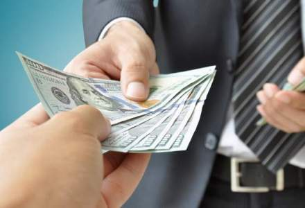 Bloomberg: Dolarul da semne ca s-a depreciat prea devreme si prea repede