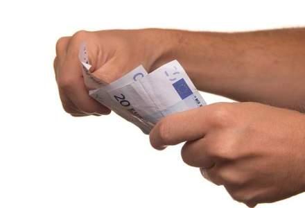 Romanii care investesc in derivate si actiuni internationale au plasamente in medie de 47.000 euro - Saxo Bank