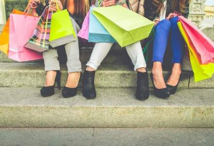 Prada va lansa o gama de genti ieftine si isi propune sa dubleze afacerile online