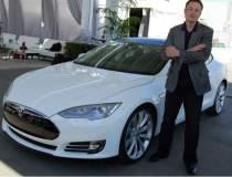 CV-ul sefului Tesla dovedeste...